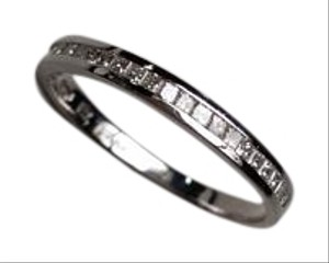 Other Tiffany style natural Diamond band