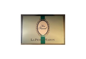 Too Faced La Petite Maison eye palette