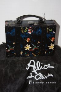 Alice + Olivia multi Clutch