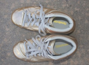 Reebok Metallic Mens Sneakers Sneakers Gold Athletic