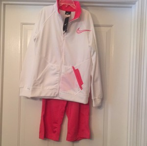 Nike Girl's Nike 2 PC Set Jacket & Capri Pants