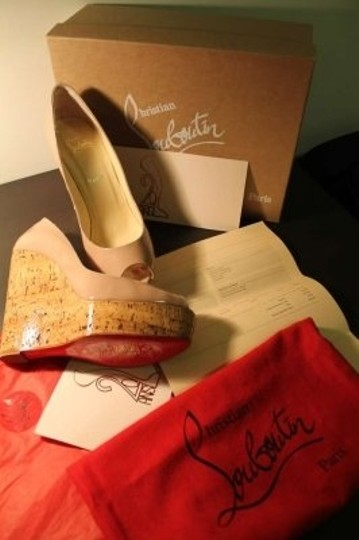 Christian Louboutin Size 40 Nude Wedges