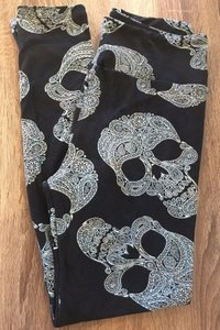 LuLaRoe Paisely Skull Skulls black and mint Leggings