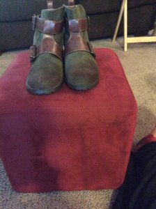 Restricted Olive/cognac Boots