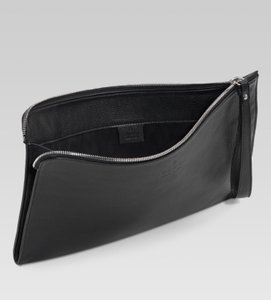 Gucci Large Leather Wristlet in Black