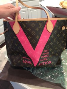 Louis Vuitton Lv Tote in Pink