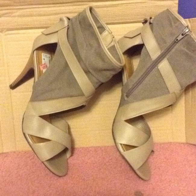 Item - Taupe Sandals Boots/Booties Size US 9.5 Regular (M, B)