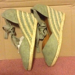 Nine West GREEN CANVAS Wedges