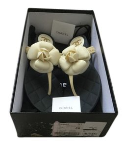 Chanel New Flower Thong Flip Flops Ivory,Black Sandals