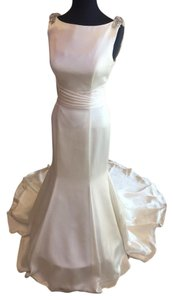 Justin Alexander Ivory Gown with Silver Accents 8727 Wedding Dress Size 8 (M)