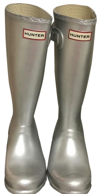 Item - Silver Boots/Booties Size US 4 Regular (M, B)