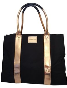 Victoria's Secret Limited Edition Getaway Large Tote in Black