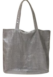 Beirn Tote in Sliver