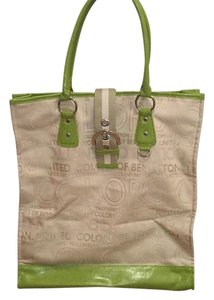 United Colors of Benetton Tote in Green