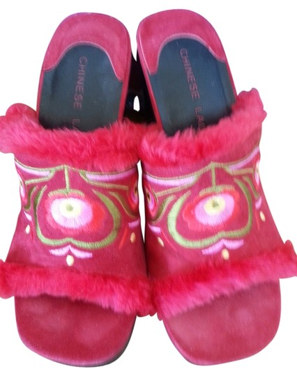 Preload https://item3.tradesy.com/images/chinese-laundry-red-suede-furry-wedges-mules-high-heel-nepal-inspired-boho-bohemian-sandals-ethnic-e-1994032-0-0.jpg?width=440&height=440