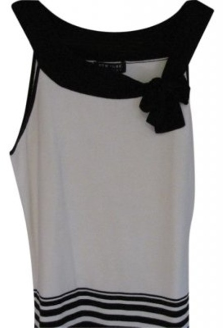 Preload https://item2.tradesy.com/images/new-york-and-company-black-and-cream-ny-and-c-scoop-neck-with-bow-accent-tank-topcami-size-2-xs-19941-0-0.jpg?width=400&height=650
