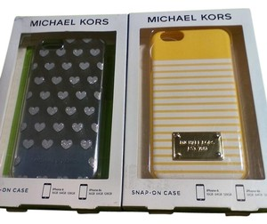Michael Kors Michael Kors iPhone 6 & 6s phone cover new in box.