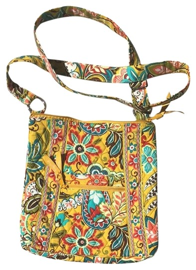 Preload https://item2.tradesy.com/images/vera-bradley-petite-hipster-yellow-floral-cloth-cross-body-bag-1994146-0-0.jpg?width=440&height=440