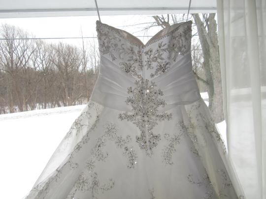 Casablanca Ivory Ivory Silver Tulle Gown Traditional Wedding Dress Size 8 (M)