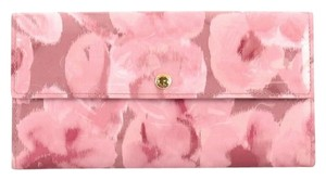 Louis Vuitton Vernis Pink Clutch