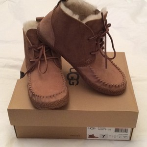 UGG Australia Light and dark brown Flats