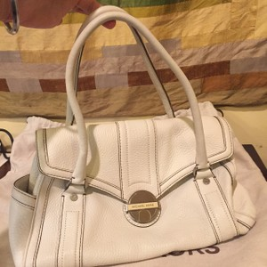 Michael Kors Leather Tote in cream