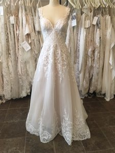 Essense Of Australia D2145 Wedding Dress