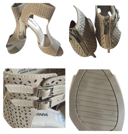 Preload https://img-static.tradesy.com/item/1994439/dollhouse-cream-formal-shoes-size-us-85-regular-m-b-0-0-540-540.jpg