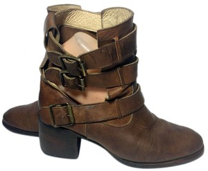 FreeBird Rolling Brown Boots