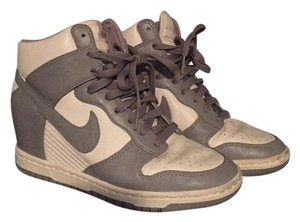 c69a86132938 Nike Wedges - Up to 90% off at Tradesy