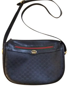 Gucci Crescent Shape Popular Style Stripe Great For Everyday Cross Body Bag