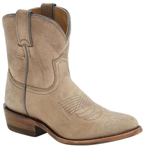 Frye Billy Short Western Taupe Boots