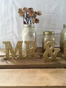 Gold Glitter Mr & Mrs Sign (rustic Vintage Chic)