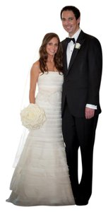 Vera Wang Ivory Layers Of Tulle & Silk Organza Baby Calla Lily Formal Wedding Dress Size 4 (S)