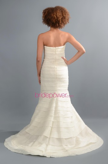 Vera Wang Ivory Layers Of Tulle & Silk Organza Baby Calla Lily Formal Wedding Dress Size 4 (S) Image 1