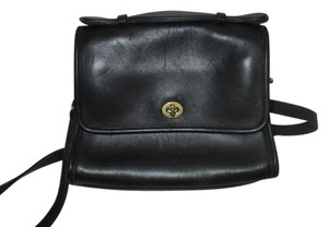Coach Willis Leather Vintage Cross Body Bag