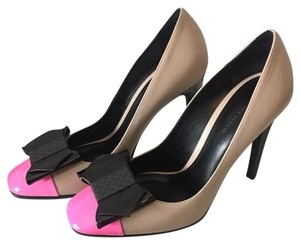 Bottega Veneta Rosa shock sand Pumps