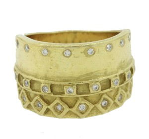 Seidengang Seidengang 18k .23ctw G SI1 Diamond Hammered Band Ring