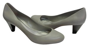 Michelle D Size 10.00 M Leather Very Good Condition Gray Pumps