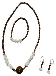 Other New Shell & Stone Necklace Bracelet and Earrings Set N906