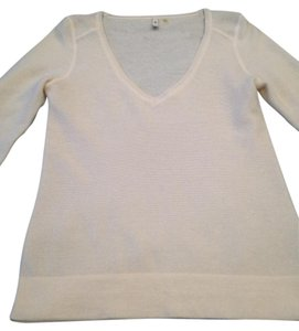 Saltaire Wool V-neck Sweater
