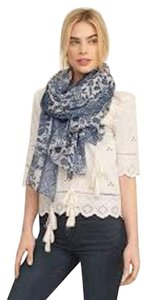 Abercrombie & Fitch NWT Abercrombie & Fitch Pattern Tassel printed Scarf Trend
