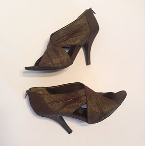 Sam & Libby Brown Pumps
