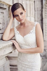 Paloma Blanca 4561 Wedding Dress