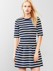 Gap short dress WHITE NAVY Striped Fit And Flare Pleaed Striped on Tradesy