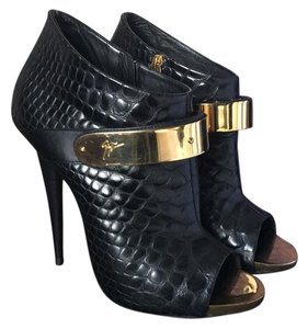 Giuseppe Zanotti Black Leather Crocodile Pattern Boots