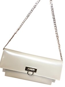 Beijo Divider Color Pearl Clutch