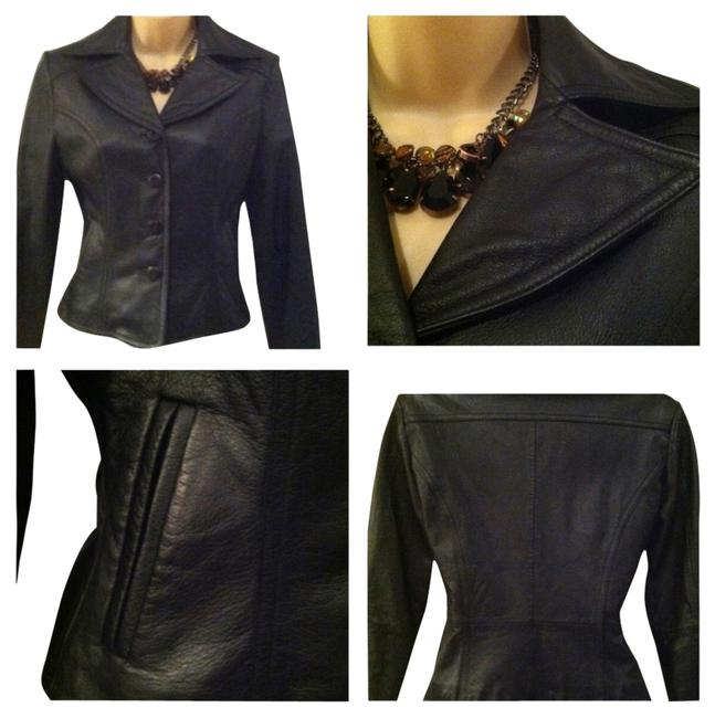 Preload https://item5.tradesy.com/images/wilson-black-leather-blazer-size-0-xs-1995999-0-0.jpg?width=400&height=650