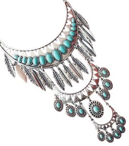 Lucky Brand Silver Stone and Feather Statement Necklace