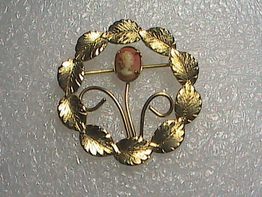 Unknown Gold Filled Cameo Wreath Brooch
